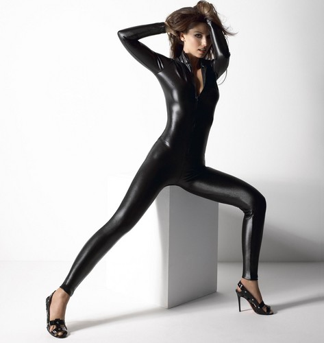 Shania Twain wallpaper with tights and a leotard entitled Shania Twain