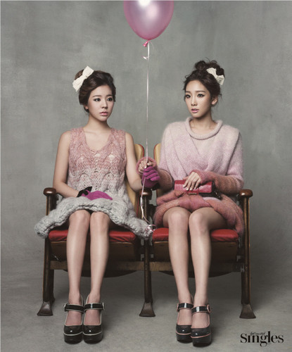 Taeyeon & Sunny for Singles December issue