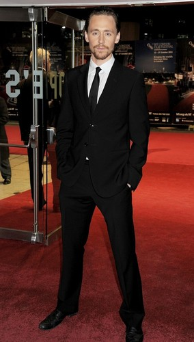 Tom Hiddleston attends the premiere of Deep Blue Sea at The 55th BFI Londres Film Festival