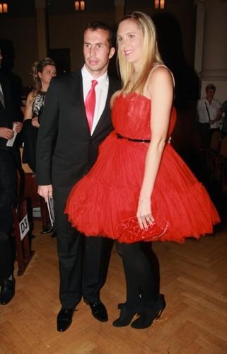 Vaidisova and Stepanek are red couple !