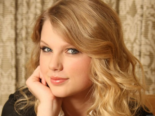 Taylor Swift wallpaper with a portrait titled beautiful taylor♥