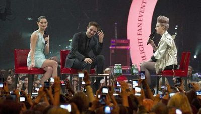 """""""Breaking Dawn Part: 1"""" Stockholm Фан Event"""