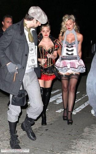 [October 29] Kate Hudson's Dia das bruxas party