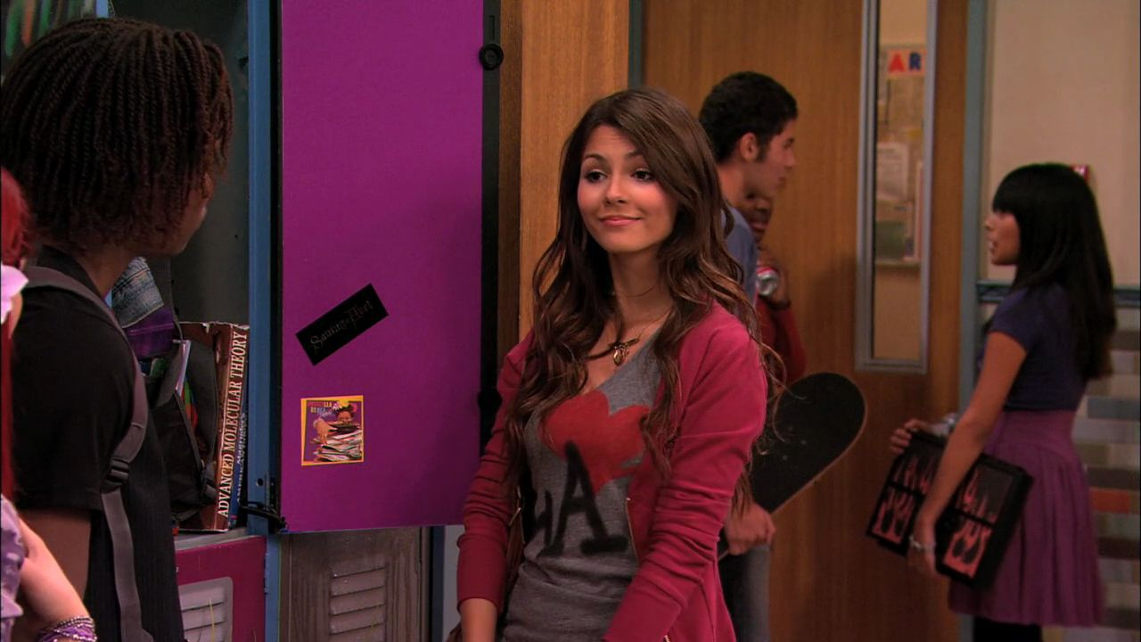 Stage Fighting' - 1x03 - Victorious Image (26467123) - Fanpop Victorious Beck And Cat Kiss