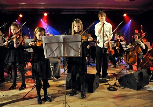 Alexander and young musicians from Prima música School! :)