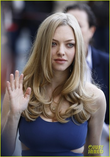 Amanda Seyfried to Play Porn Star Linda Lovelace?
