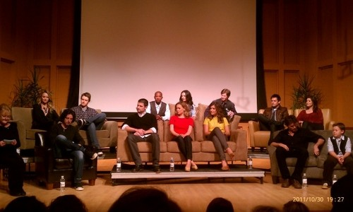 An evening with one tree hill - james-lafferty Photo