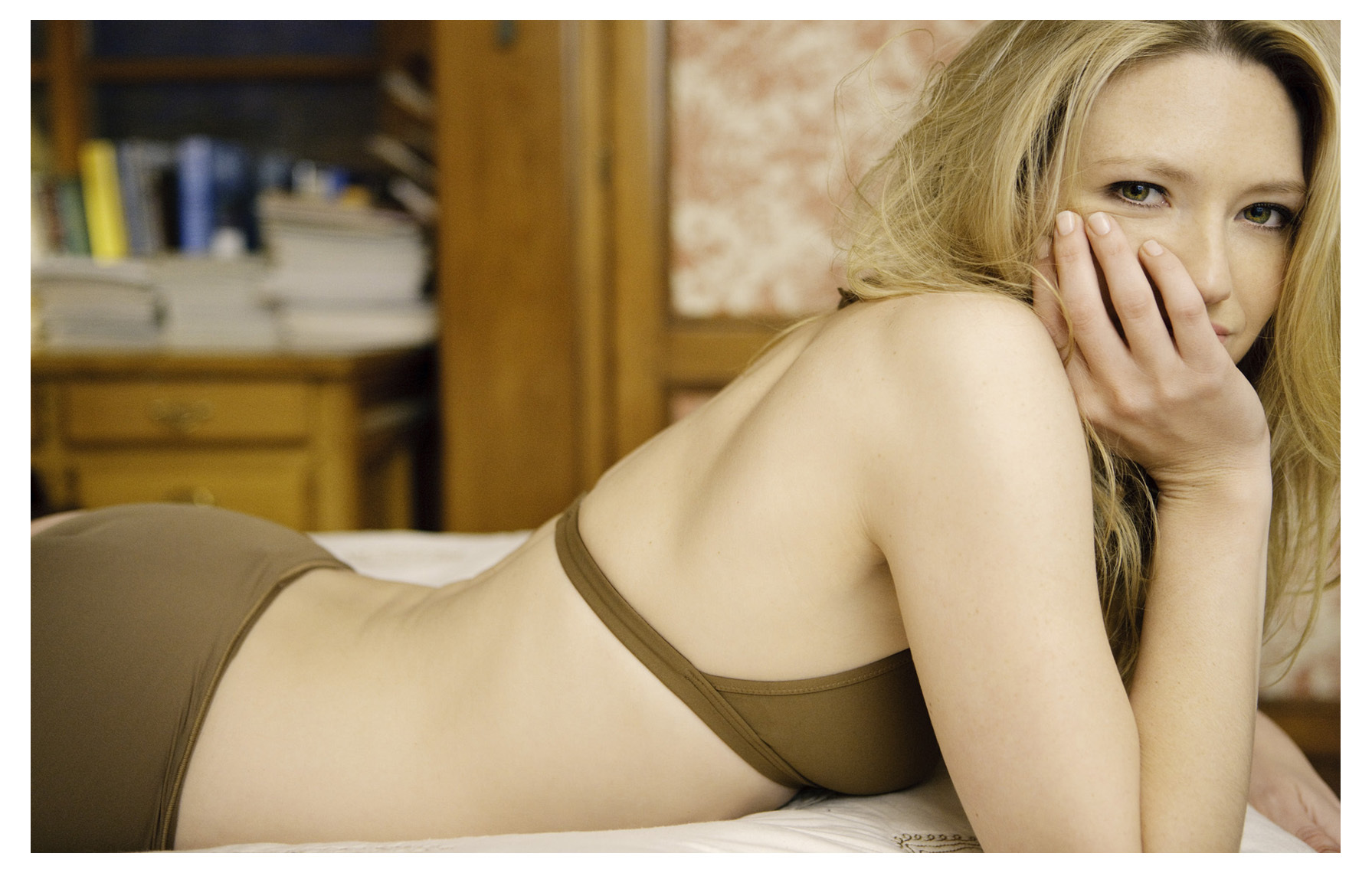 Anna Torv ~ Esquire Magazine Photoshoot Outtakes