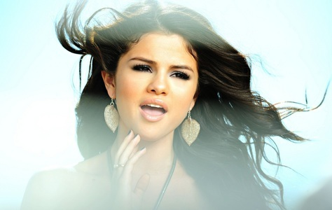 Awesome Pics of Selena Gomez