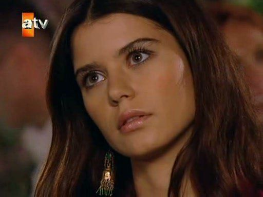 Hot Beren Saat http://www.fanpop.com/clubs/turkish-actors-and-actresses/images/26470719/title
