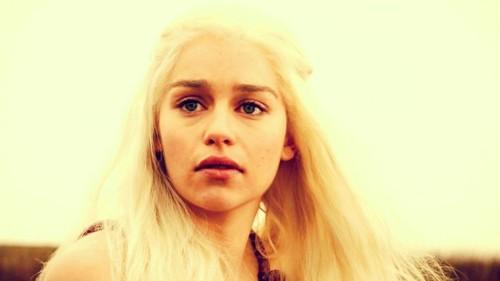Daenerys in 'The Kingsroad'