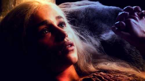 Daenerys in 'The Kingsroad'