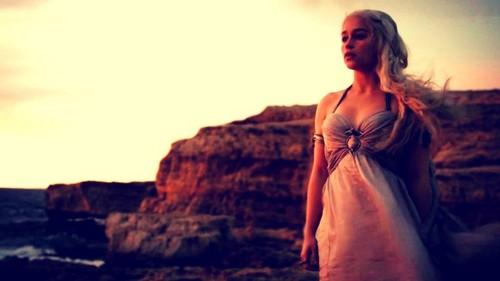 Daenerys in 'Winter Is Coming'