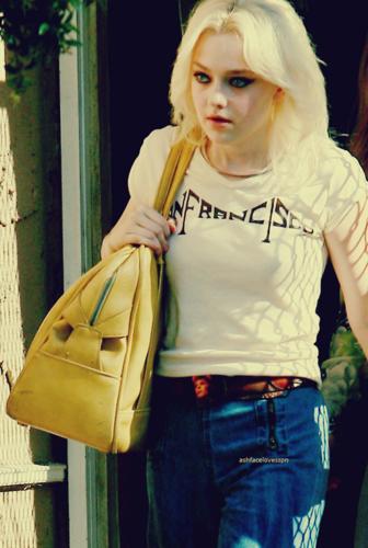 Dakota as Cherie Stills