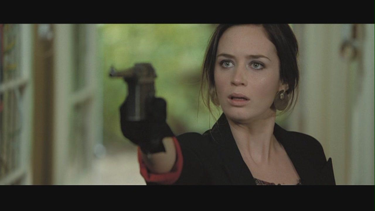 "Emily Blunt in ""Wild Target"" - Emily Blunt Image (26474930) - Fanpop"