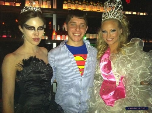 Few more pics of Candice at ISF's Empoweresque event [10/29/11]