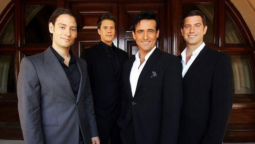 Il Divo wallpaper containing a business suit entitled Il Divo