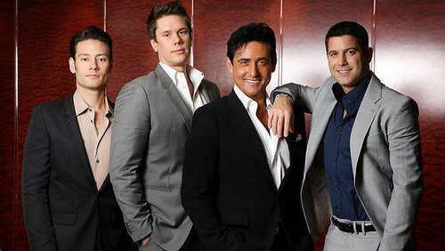Il Divo wallpaper containing a business suit, a suit, and a three piece suit entitled Il Divo