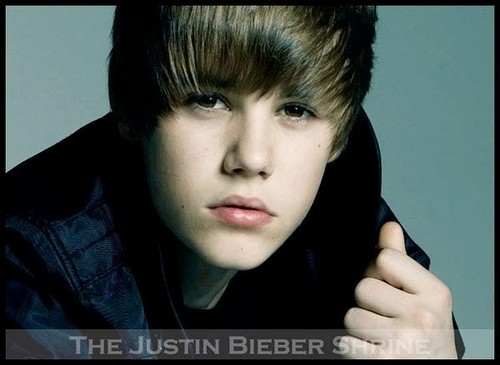Justin Bieber wallpaper containing a portrait titled JUSTIN!!!!!!!!!!!! XXX