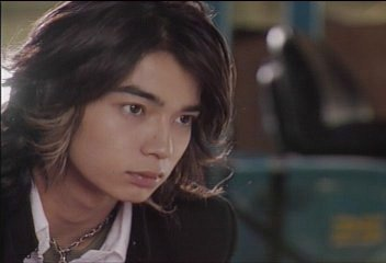 http://images5.fanpop.com/image/photos/26400000/Jun-as-Shin-Sawada-jun-matsumoto-26441730-352-240.jpg