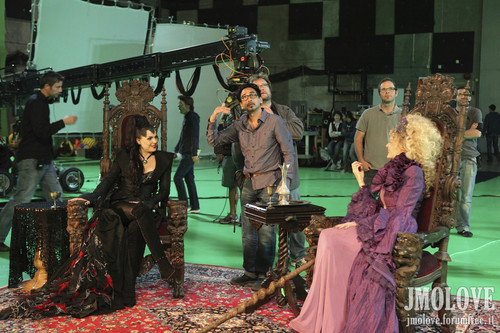 Kristin Bauer as Maleficent & Lana Parrilla as Evil Queen- बी टी एस चित्रो