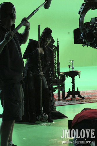 Lana Parrilla as Evil Queen- Bangtan Boys fotos