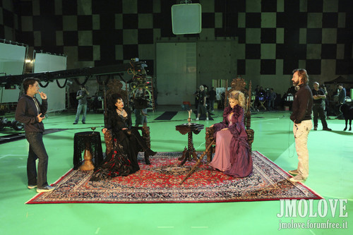 Kristin Bauer as Maleficent & Lana Parrilla as Evil Queen- BTS mga litrato