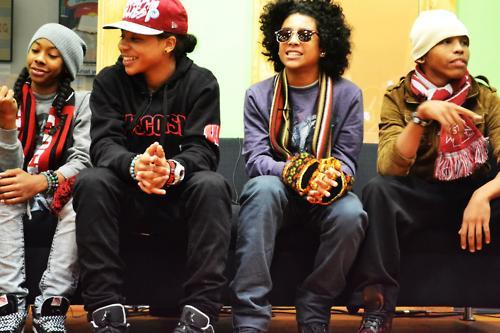 Mindless Behavior kertas dinding entitled Mb