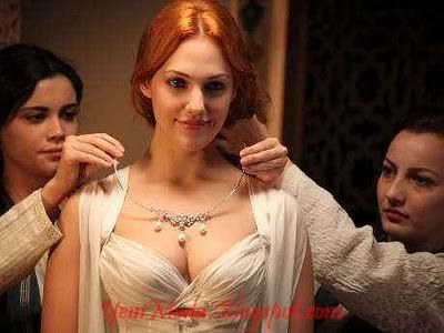 トルコの俳優・女優 壁紙 probably containing a portrait titled Meryem Uzerli