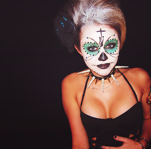 miley cyrus fondo de pantalla entitled Miley ~ Halloween!