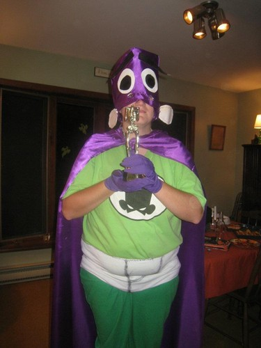 Fanboy and Chum Chum Club fond d'écran with a gasmask entitled My Halloween costume