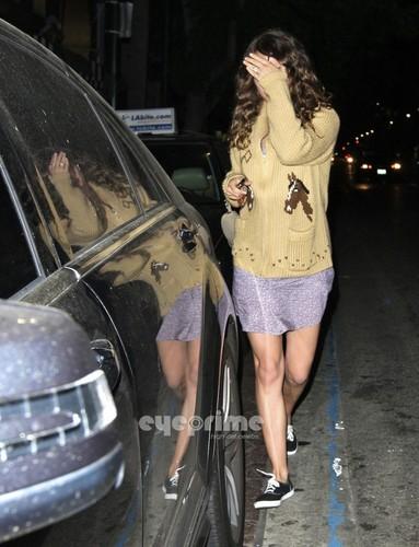 Natalie Portman grabs some Essen in Hollywood, Nov 1