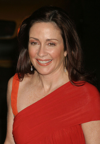Patricia Heaton karatasi la kupamba ukuta possibly containing a portrait titled Patricia Heaton