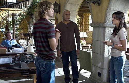 NCIS: Los Angeles wallpaper containing a street called Promotional Episode Photos | Episode 3.07 - Honor