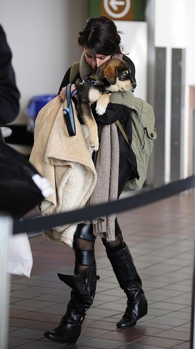 Selena - At Lax Airport - October 31, 2011
