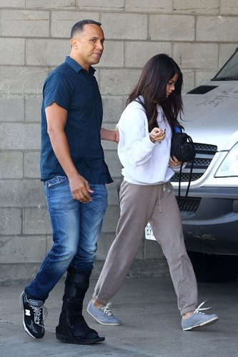 Selena - Headed to the Studio - November 02, 2011