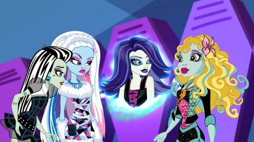 Spectra,Abbey,Frankie & Lagoona In Fright On!