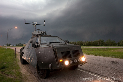 Storm Chasers wallpaper entitled The storm chaser car:3