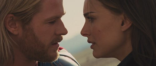 Thor and Jane /Thor 2011 - thor-and-jane Screencap