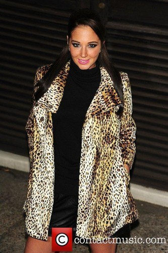 Tulisa leaving the X Factor studios - 30th November 2011 - tulisa-contostavlos Photo