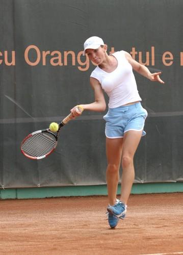 Simona Halep makes a Jump Shot
