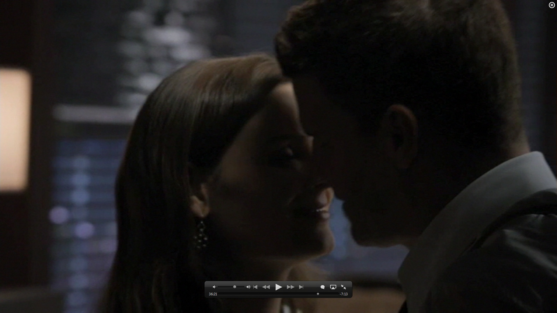 7x01 kiss booth and bones image 26582028 fanpop
