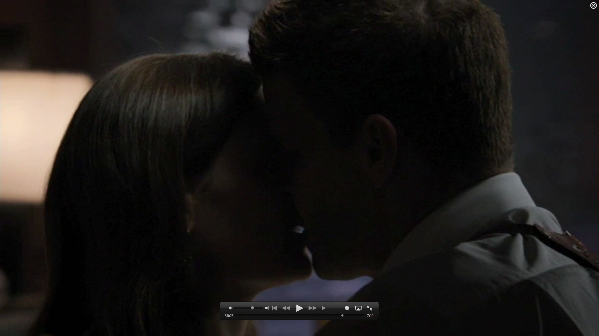 7x01 kiss booth and bones image 26582108 fanpop