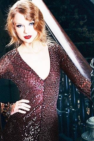 Amazing Taylor तत्पर, तेज, स्विफ्ट