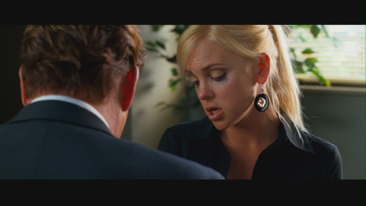 Anna faris observe and report 02 2