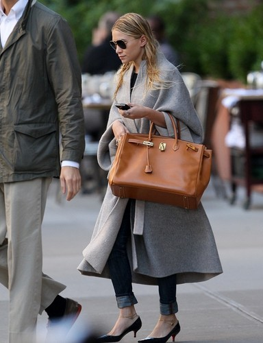 Ashley - out in New York, 06. October 2011