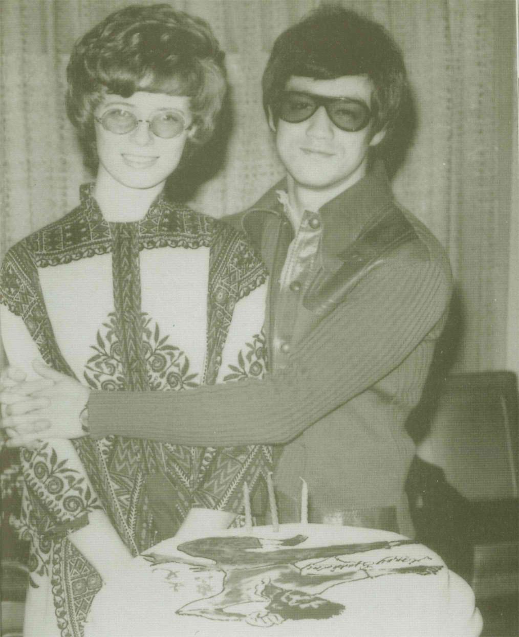 Bruce with Linda - Bru...