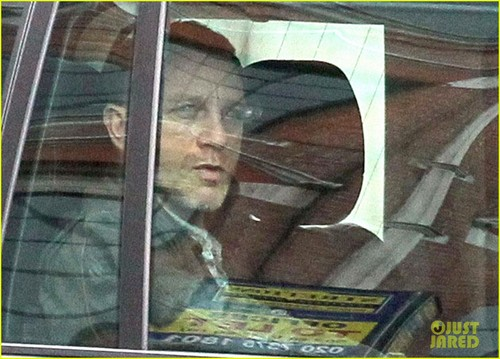 Daniel Craig: 'Skyfall' Scenes in London!
