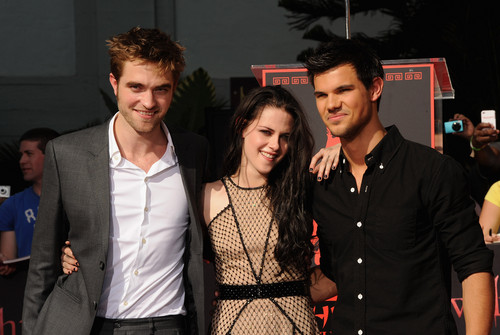 HQ's of Robert Pattinson, Kristen Stewart & Taylor Lautner at the handprint ceremony