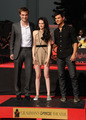 HQ's of Robert Pattinson, Kristen Stewart & Taylor Lautner at the handprint ceremony - twilight-series photo